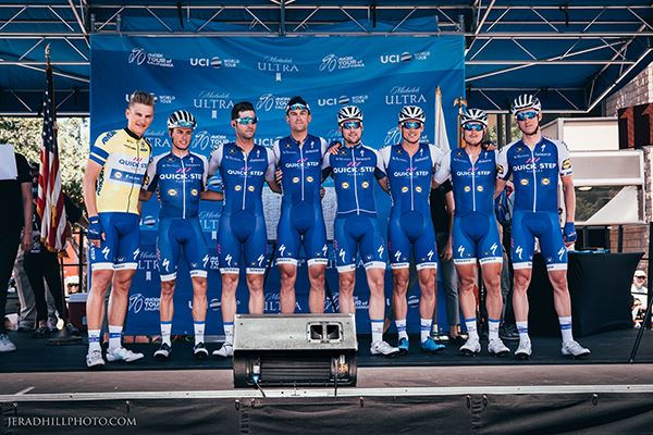 Cyclists on Stage