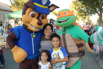 Kids with National Night Out Mascot